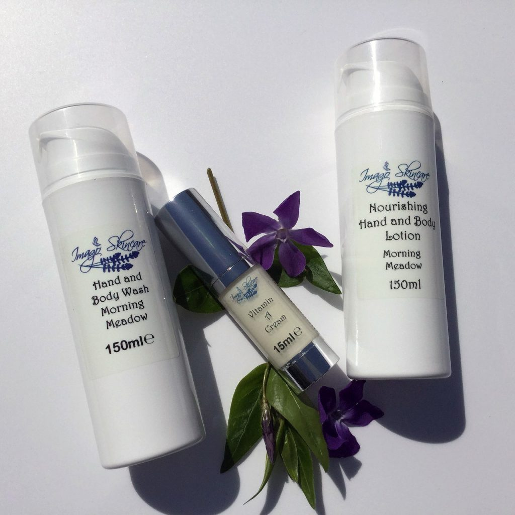 Picture of the three products included in the hand saver pack - 3 steps to soft, smooth and healthy hands!